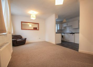 Thumbnail 2 bed flat to rent in Rathmore Road, Cambridge