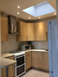 1 bed flat to rent in Napier Road, Holland Park W14