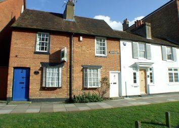 2 bed property to rent in Heath Road, Weybridge KT13