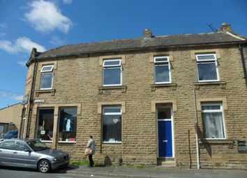 Thumbnail 2 bedroom flat to rent in Valley Road, Liversedge, West Yorkshire