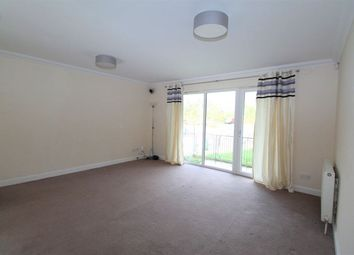 3 bed flat to rent in Dalsholm Place, Glasgow G20