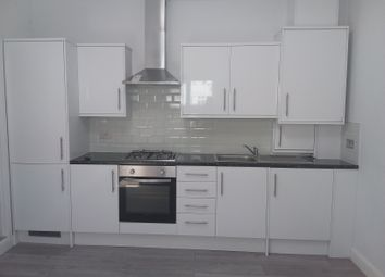 Thumbnail 1 bed flat to rent in The Retreat, Croydon, London