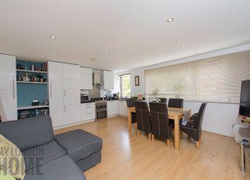 Thumbnail 1 bed flat to rent in Cumberland Court, Cumberland Street, London
