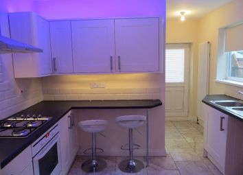 Thumbnail 1 bed flat to rent in 212 De La Pole Avenue, Hull