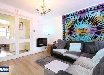 Thumbnail 2 bedroom flat to rent in Swallow Close, Greenhithe