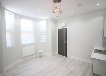 Thumbnail Studio to rent in Braydon Road, Stamford Hill