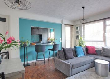 The Drive, Hove BN3. 2 bed flat for sale
