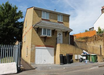 Thumbnail 4 bed detached house to rent in Sandcliffe Road, Erith