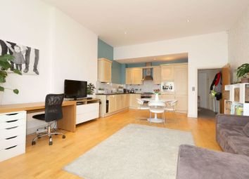 Thumbnail 2 bed flat to rent in Highbury Grove, London