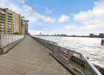 Thumbnail 3 bedroom flat to rent in Edison Building, Millenium Harbour E14, Canary Wharf,