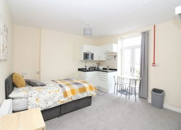 Thumbnail 1 bed flat to rent in Pennsylvania Road, Torquay