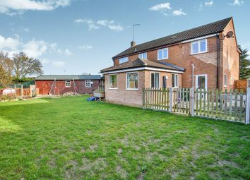 Thumbnail 6 bed detached house for sale in Cedar Close, Mattishall, Dereham
