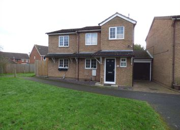 Thumbnail 4 bedroom detached house to rent in Laxton Close, Luton