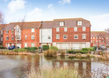 Thumbnail 4 bedroom terraced house for sale in Willowbank, Sandwich