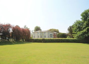 3 bed flat for sale in Oxford Road, Donnington, Newbury RG14
