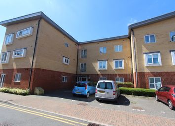 Thumbnail 2 bed flat to rent in Whitehall Close, Borehamwood