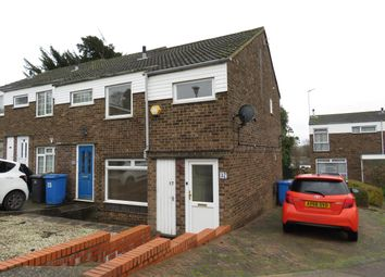 Thumbnail 3 bedroom property to rent in Fountains Road, Ipswich