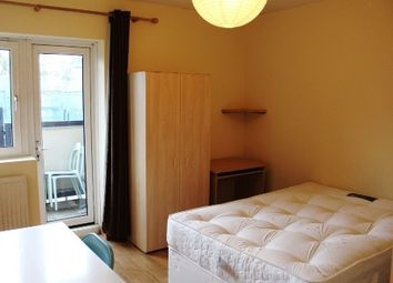 Thumbnail 4 bed flat to rent in Amiel Street, Bethnal Green/Stepney Green