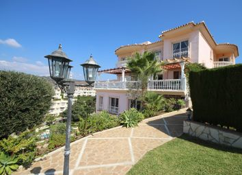 Thumbnail 6 bed town house for sale in Artola, Spain