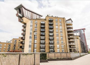 Thumbnail 2 bed flat to rent in Pierpoint Building, Canary Wharf, London