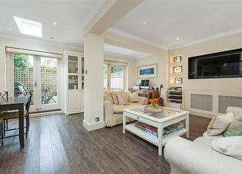 Thumbnail 2 bedroom flat to rent in Broomwood Road, London