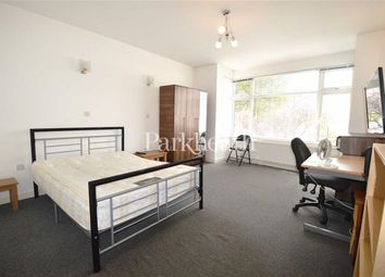 Thumbnail 3 bed flat to rent in Caledonian Road, Holloway, London