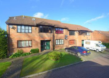 Thumbnail 1 bed flat to rent in Stoney Grove, Chesham