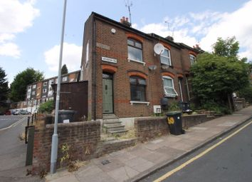 3 bed terraced house to rent in Winsdon Road, Luton LU1
