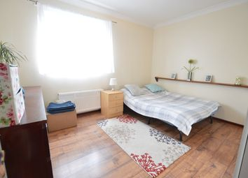2 bed maisonette to rent in Sumburgh Way, Slough, Berkshire SL1