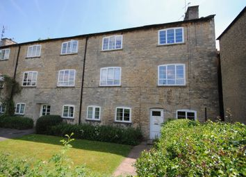 Thumbnail 2 bed flat for sale in Woodgreen, Witney