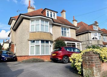 2 bed flat to rent in Queens Park Road, Bournemouth BH8