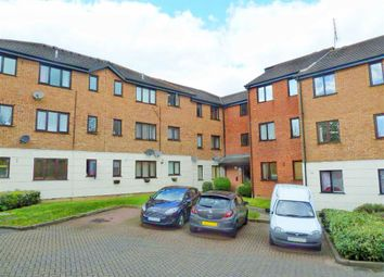 Thumbnail 1 bedroom flat to rent in Parrotts Field, Hoddesdon, Hertfordshire