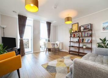 2 Amelia Street, London SE17. 2 bed flat