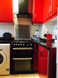 Thumbnail 2 bed flat to rent in Chicksand Street, Whitechapel, London