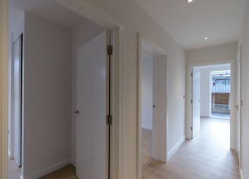 Thumbnail 2 bed flat to rent in Apartemnt 1B, Easton House, London