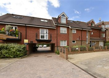 Hearne Court, Hill Avenue, Amersham, Buckinghamshire HP6. 3 bed flat