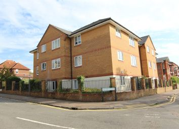 Thumbnail 1 bed flat to rent in Alexandra Road, Hemel Hempstead, Hertfordshire