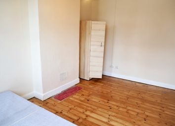 Thumbnail Room to rent in Council Tax, Bills & Wifi Included, North Acton W3,