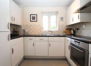 Thumbnail 2 bed flat for sale in Willow Court, Ebberns Road, Hemel Hempstead, Hertfordshire
