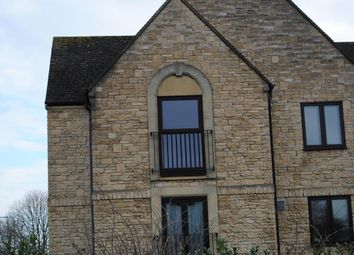 Thumbnail 2 bed flat to rent in Beechgate, Witney, Oxon