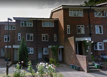 Thumbnail 1 bed flat to rent in Guinness Court, Leafy Way, Croydon