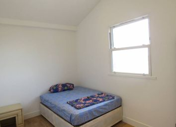 Thumbnail Room to rent in High Road, North Finchley