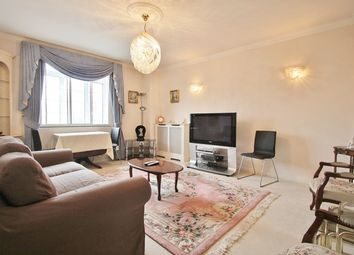 3 bed flat to rent in Latymer Court, Hammersmith Road, London W6