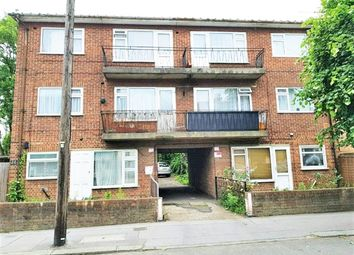 Thumbnail 1 bed flat to rent in Sydenham Road, Croydon, London