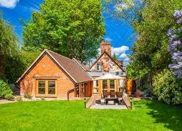 Thumbnail 3 bed detached house for sale in Hillside, Moulsford