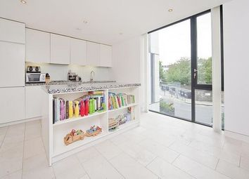 Thumbnail 2 bed flat to rent in Latitude House, Oval Road, Regents Park, London