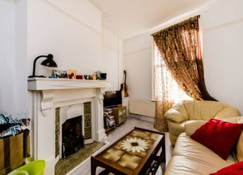Thumbnail Flat for sale in Albert Road, Docklands