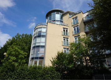 Thumbnail 3 bed flat for sale in Kenavon Drive, Reading