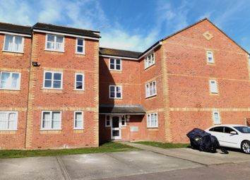 Thumbnail Flat to rent in Redford Close, Feltham