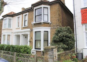 Thumbnail 2 bedroom flat to rent in Park Road, Westcliff-On-Sea
